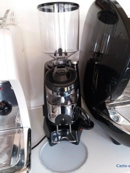 Zenith/ Koffiemolen met dosseerder